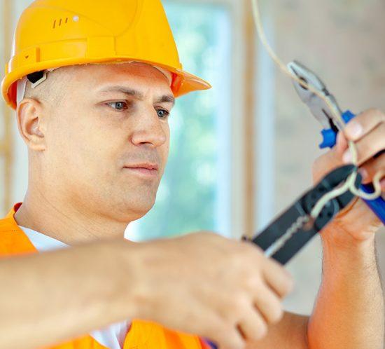 foto-elektryk-przemysłowy-oferta-550x498 home praca w niemczech