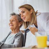 foto-opiekunka-osob-starszych-oferta-170x170 Opiekun/ka seniora w domu opieki praca w niemczech